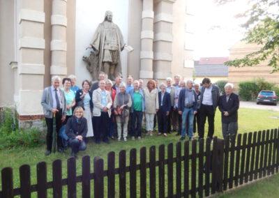 Die Tagungsteilnehmer vor dem Paul-Gerhardt-Gemeindehaus